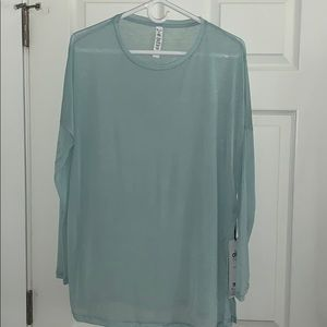 NWT Alo yoga arrow oversized long sleeve top
